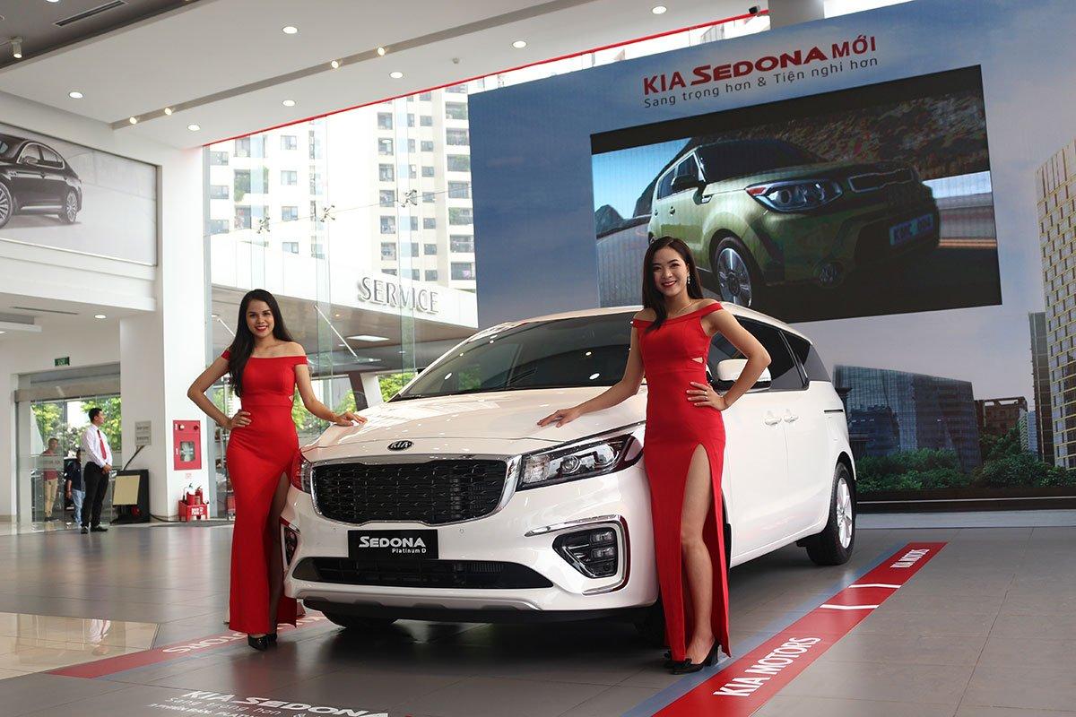 MPV Kia Sedona giảm giá từ 40 - 60 triệu đồng 1