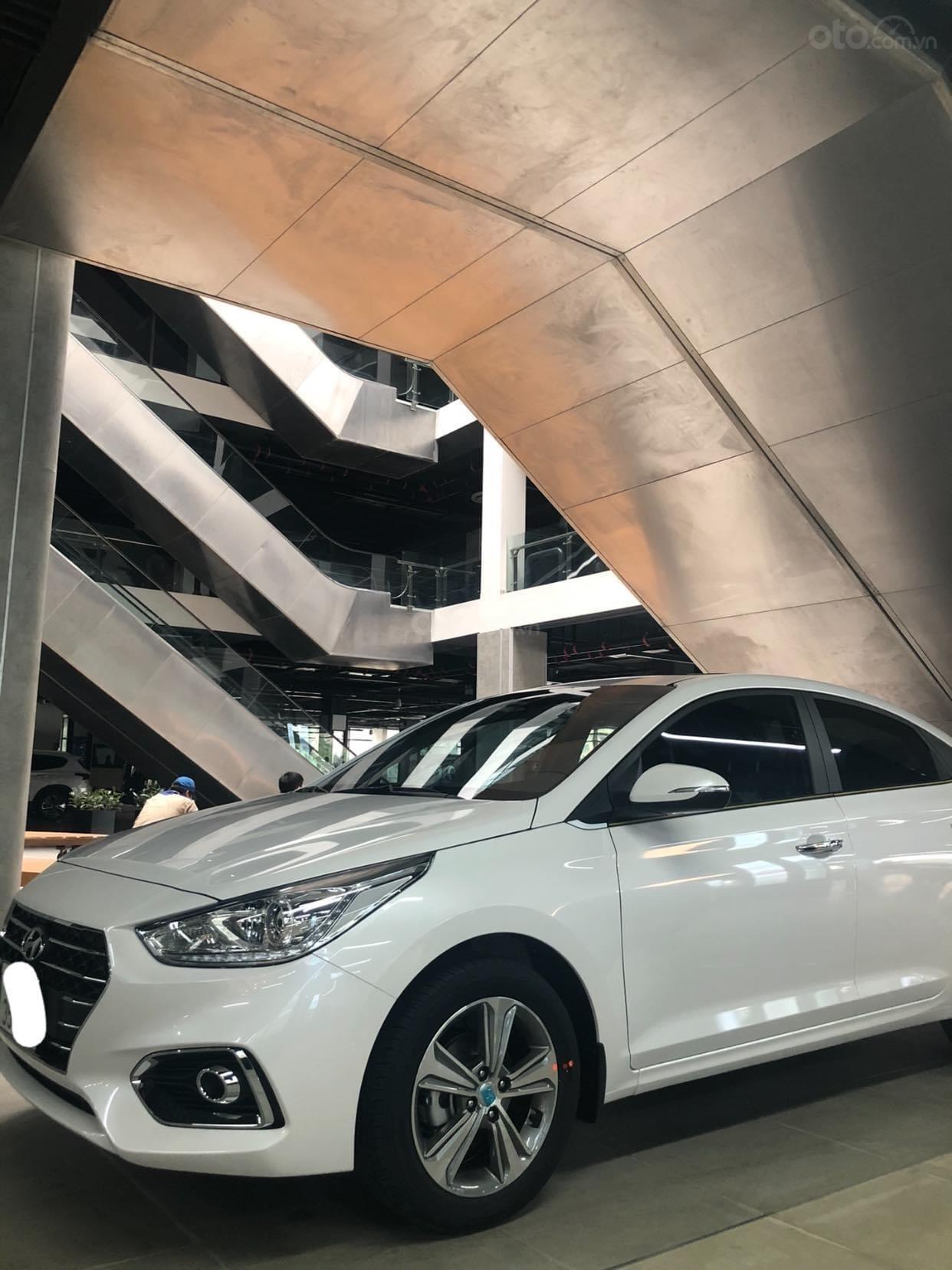 Giảm giá sâu Hyundai Accent 1.4 AT đặc biệt 2020 mới 100% (2)