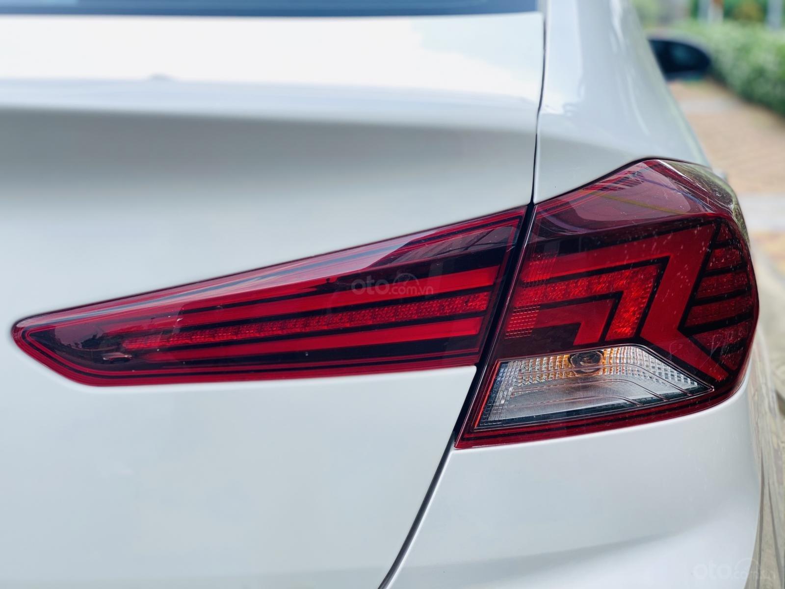 Bán Hyundai Elantra 1.6 AT sản xuất 2019 (13)