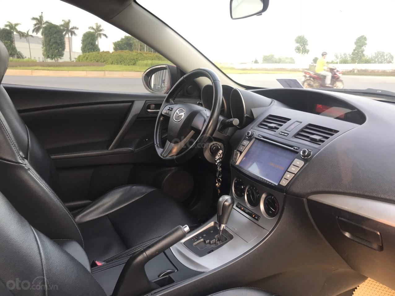 Cần bán Mazda 3 Hatchback 2010 màu đỏ chính chủ (10)