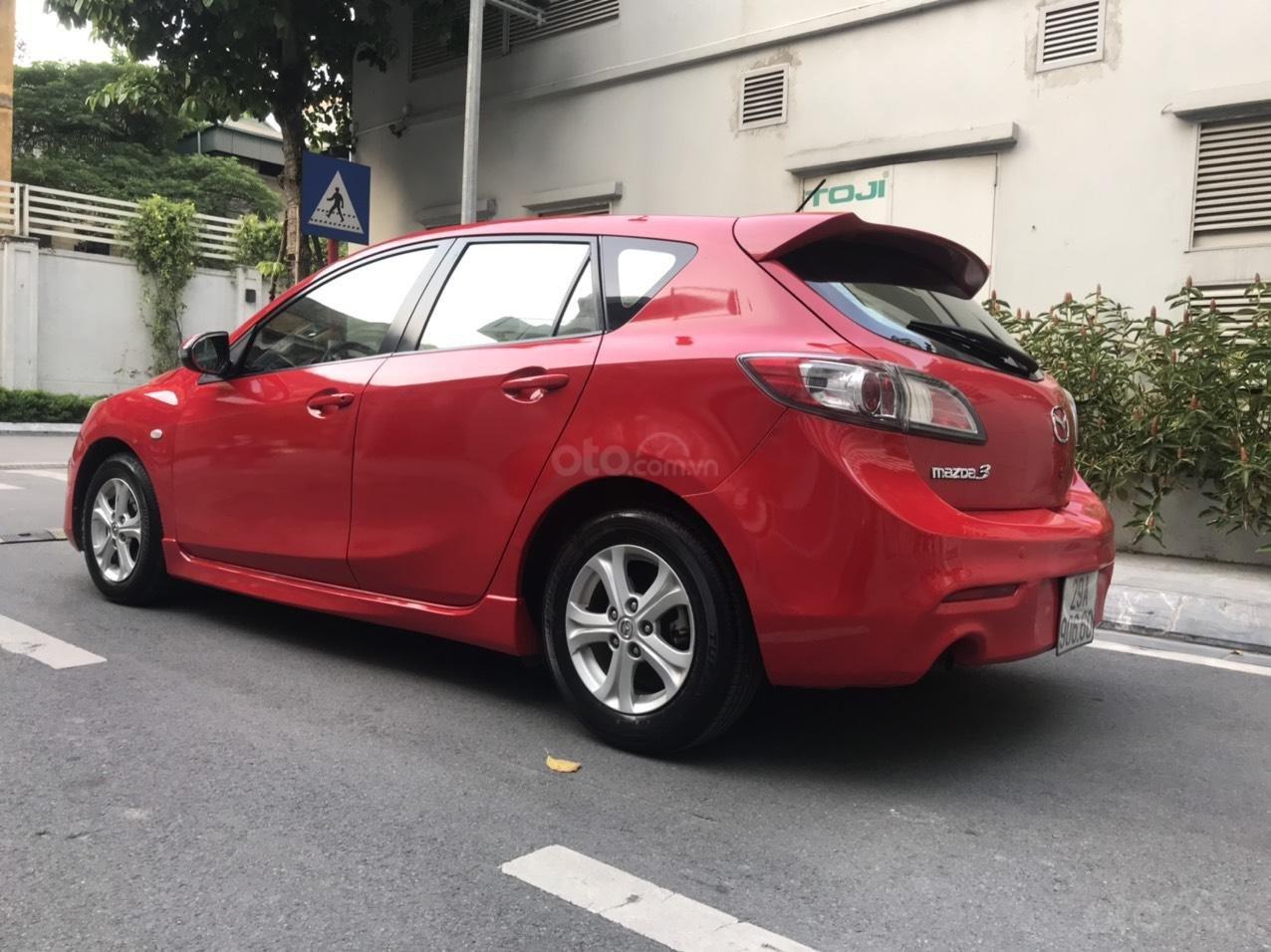 Cần bán Mazda 3 Hatchback 2010 màu đỏ chính chủ (4)