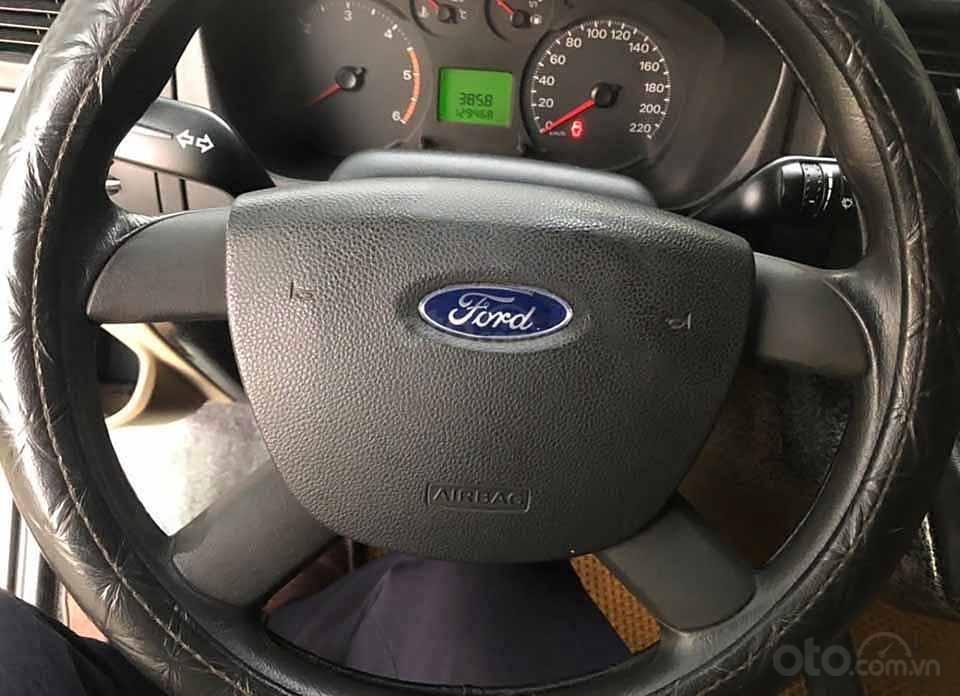 Cần bán gấp Ford Transit đời 2015, màu bạc, giá 380tr (5)
