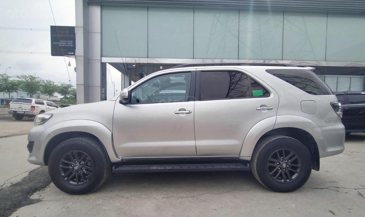 Toyota Fortuner 2.7V AT 2016 xe bán chính hãng (2)