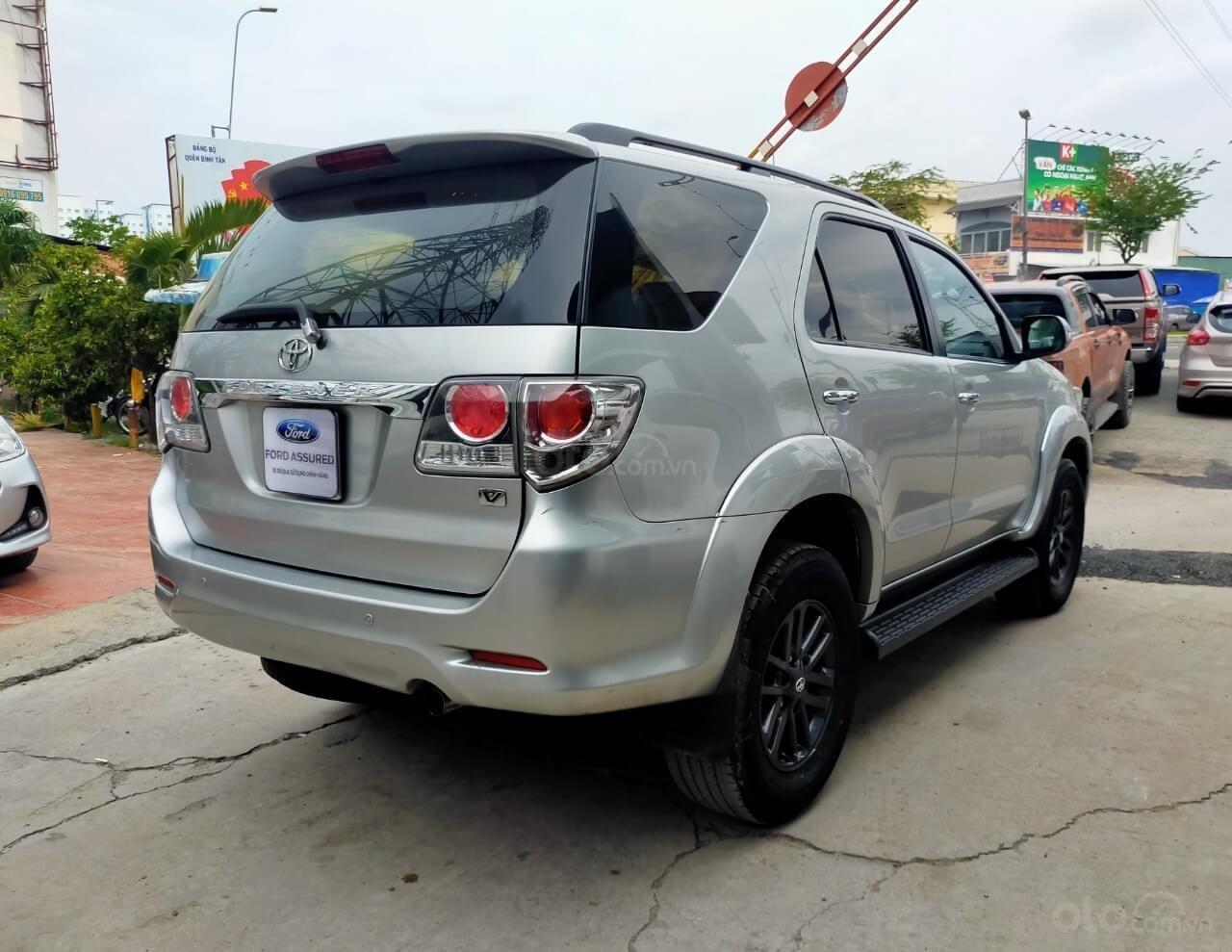 Toyota Fortuner 2.7V AT 2016 xe bán chính hãng (7)