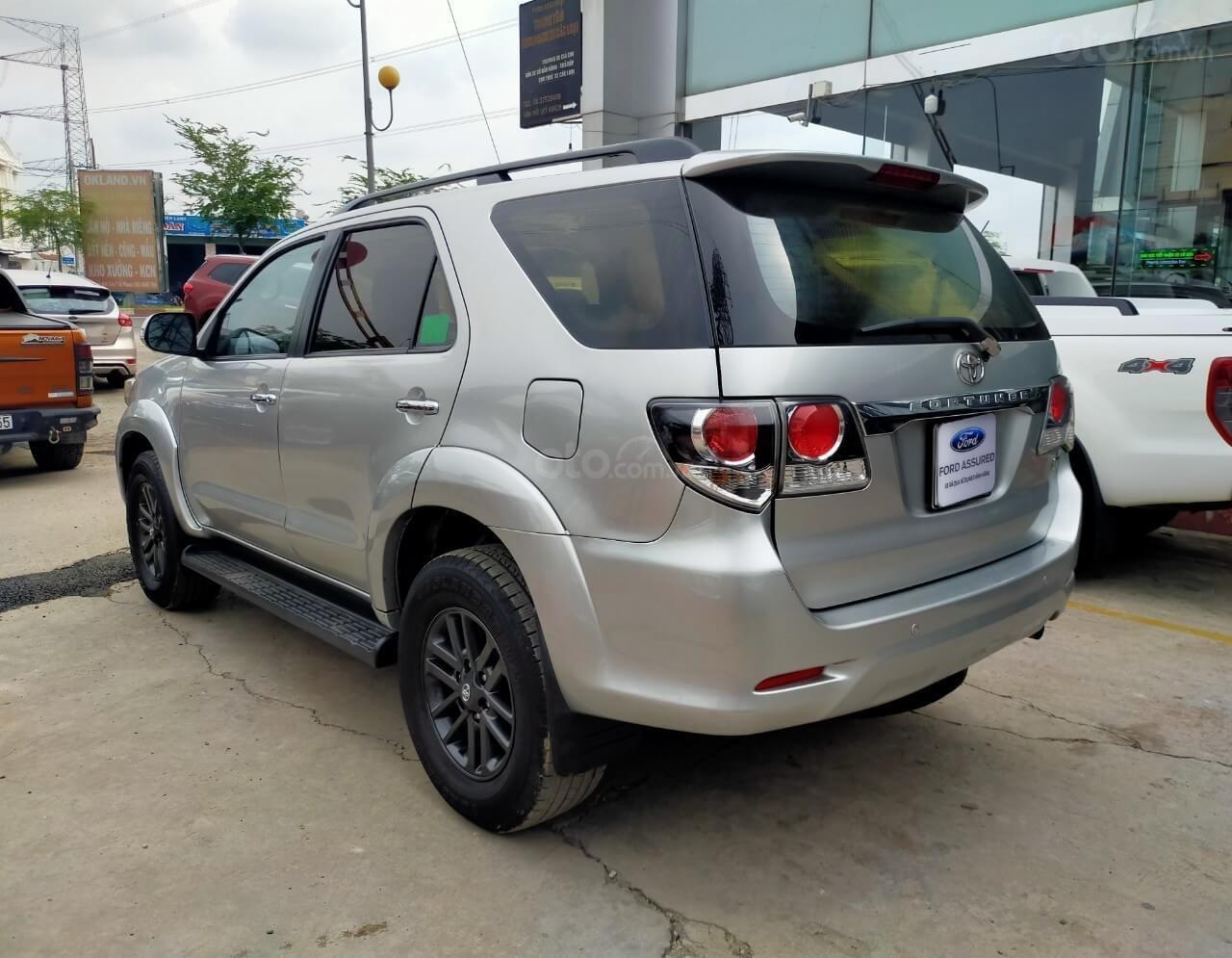 Toyota Fortuner 2.7V AT 2016 xe bán chính hãng (8)