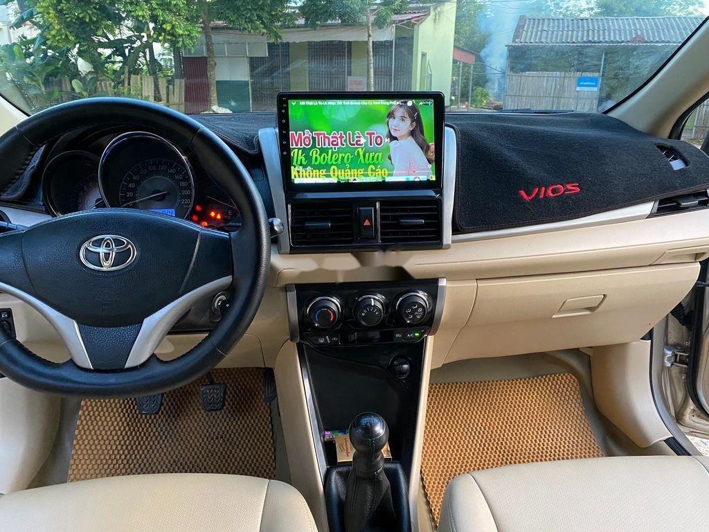Cần bán lại xe Toyota Vios đời 2015, 335 triệu (8)