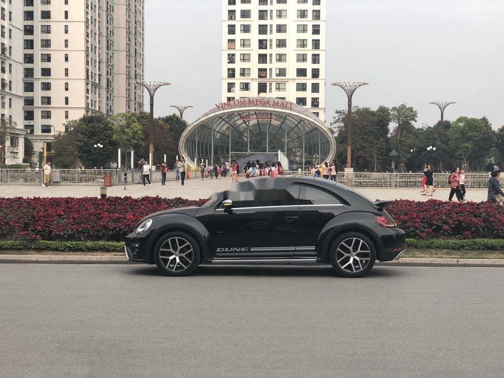 Cần bán Volkswagen Beetle năm sản xuất 2018, màu đen, xe nhập chính chủ (3)