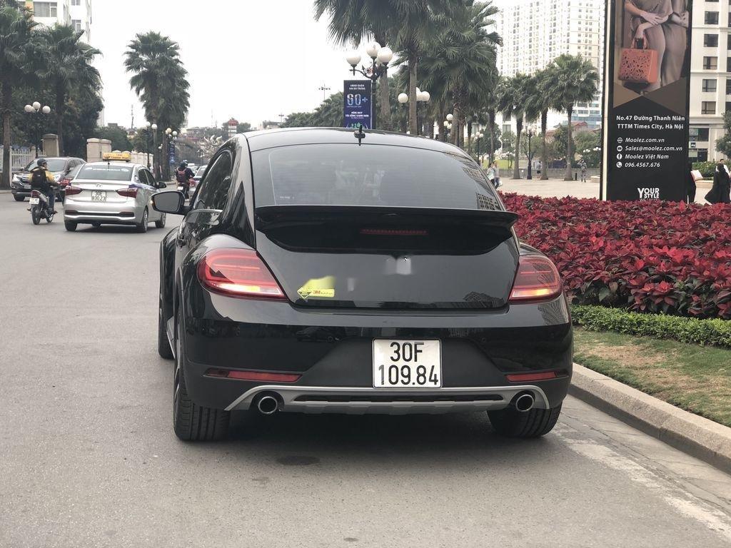 Cần bán Volkswagen Beetle năm sản xuất 2018, màu đen, xe nhập chính chủ (2)