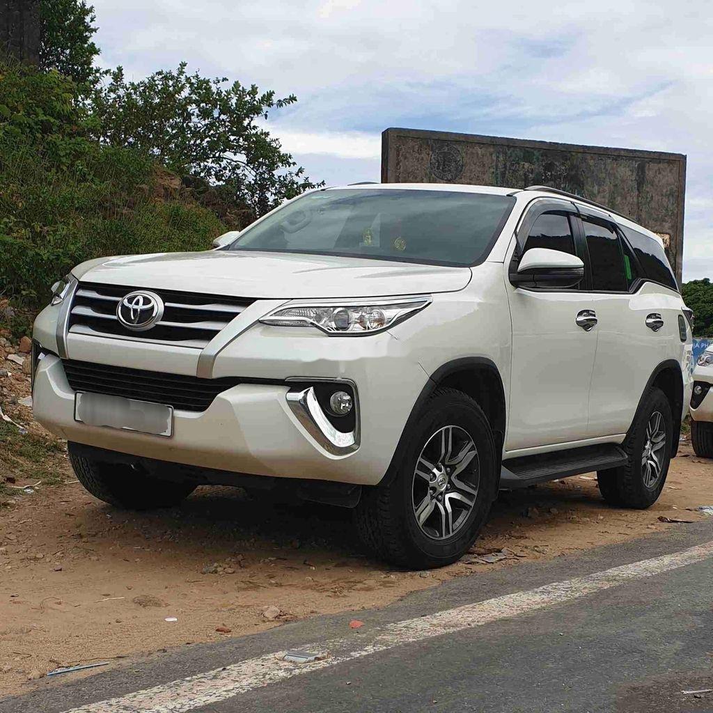 Bán Toyota Fortuner năm sản xuất 2018, màu trắng, nhập khẩu nguyên chiếc (1)