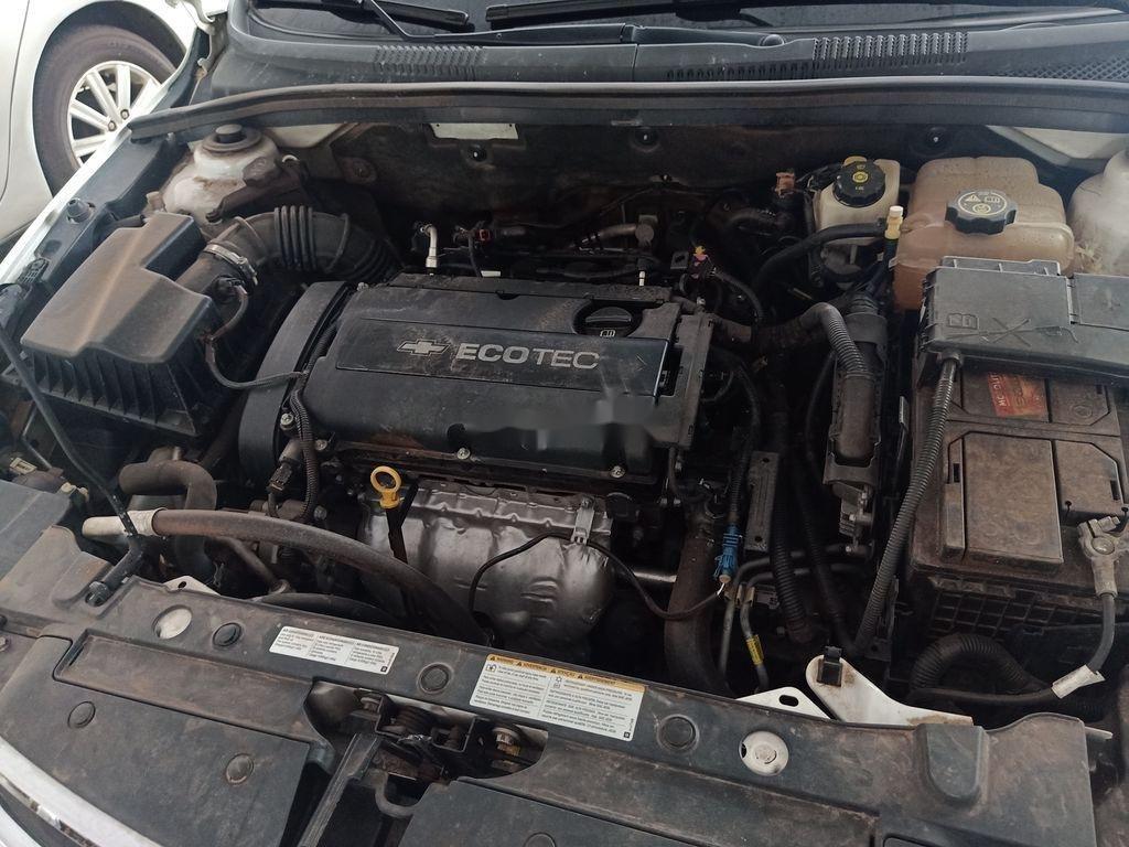 Bán xe Chevrolet Cruze sản xuất 2016, màu trắng, xe gia đình (7)