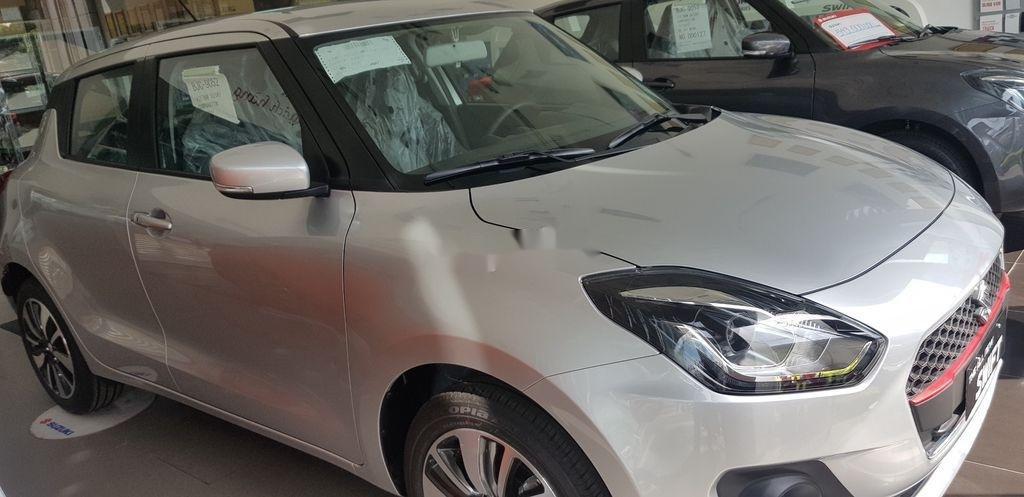 Thanh lý gấp Suzuki Swift GLX sản xuất năm 2018, màu bạc (3)