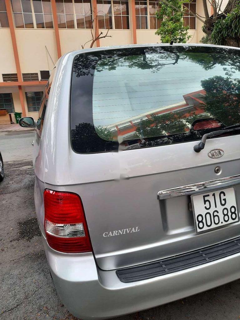 Cần bán lại xe Kia Carnival năm sản xuất 2006, xe còn rất ngon (3)