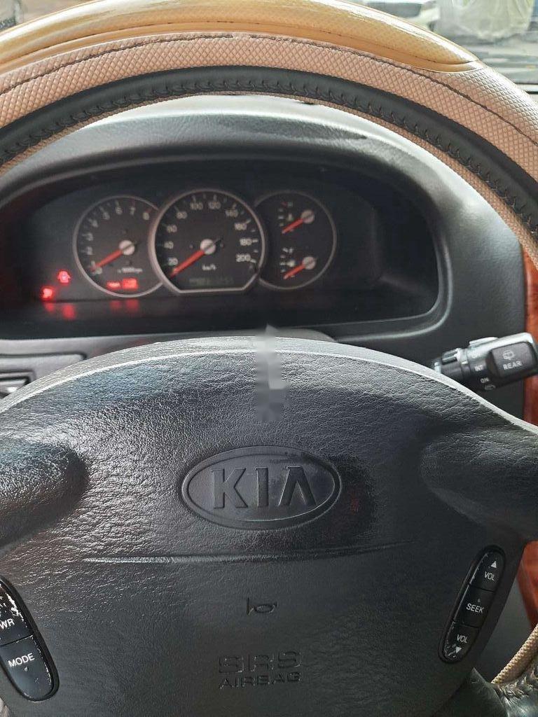 Cần bán lại xe Kia Carnival năm sản xuất 2006, xe còn rất ngon (6)