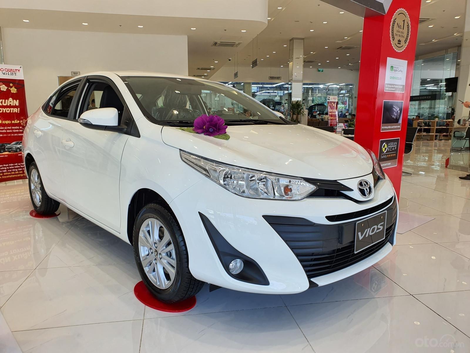 """""""Hot"""" bán Toyota Vios 1.5E MT - Ưu đãi cực hấp dẫn - Quà tặng theo xe - Đưa trước 120 triệu (2)"""
