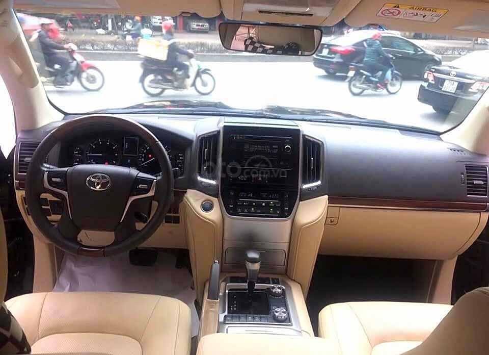Cần bán xe Toyota Land Cruiser VX 4.6 V8 đời 2016, màu đen, nhập khẩu nguyên chiếc   (3)