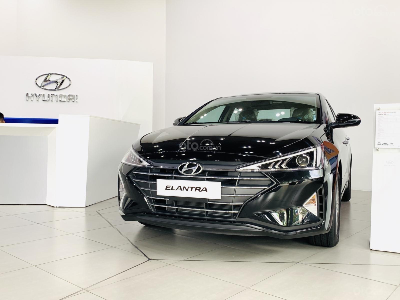 Bán Hyundai Elantra 2020 chỉ với 116 triệu nhận ngay Elantra tại nhà, tặng kèm phụ kiện chính hãng + giảm ngay 80 triệu (2)