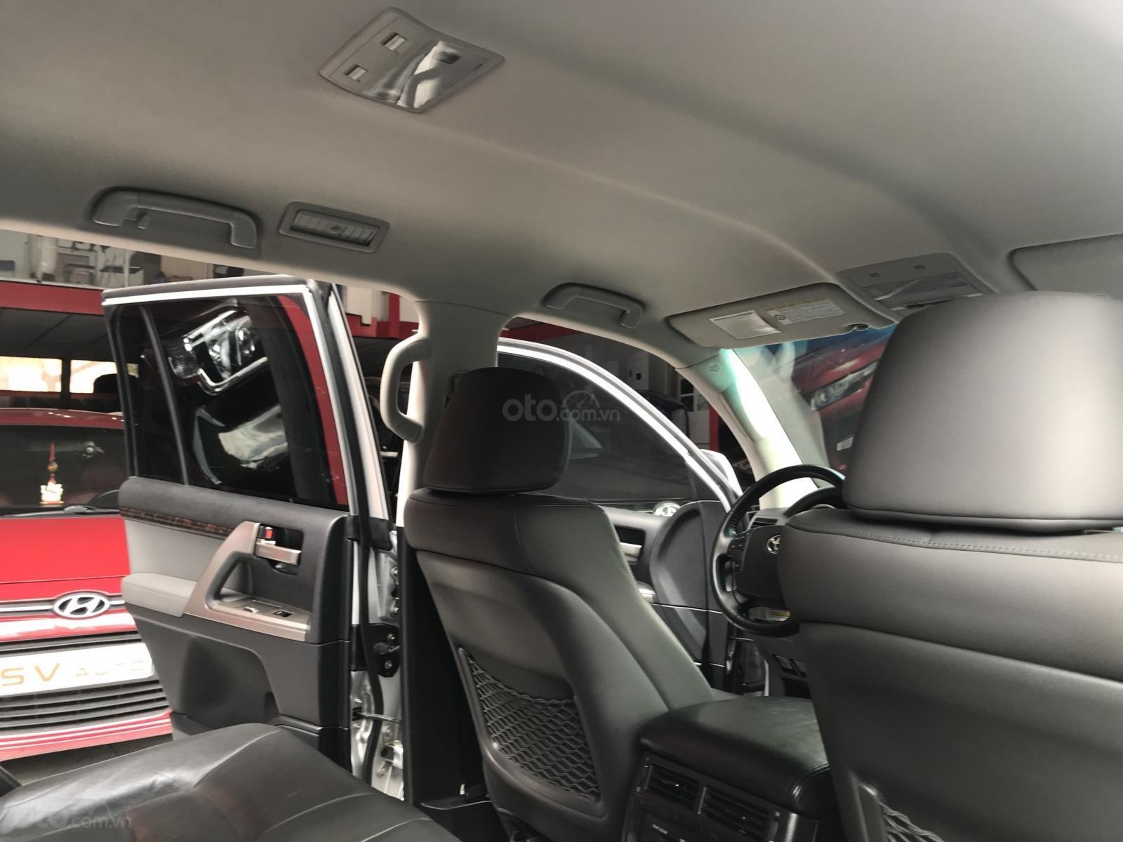 Toyota Land Cruiser  2011 bản nhập Trung Đông (12)
