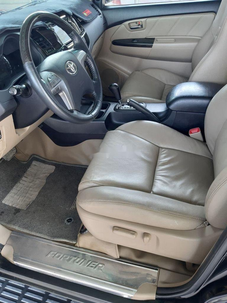 Cần bán lại xe Toyota Fortuner năm sản xuất 2014, màu đen, nhập khẩu nguyên chiếc   (11)