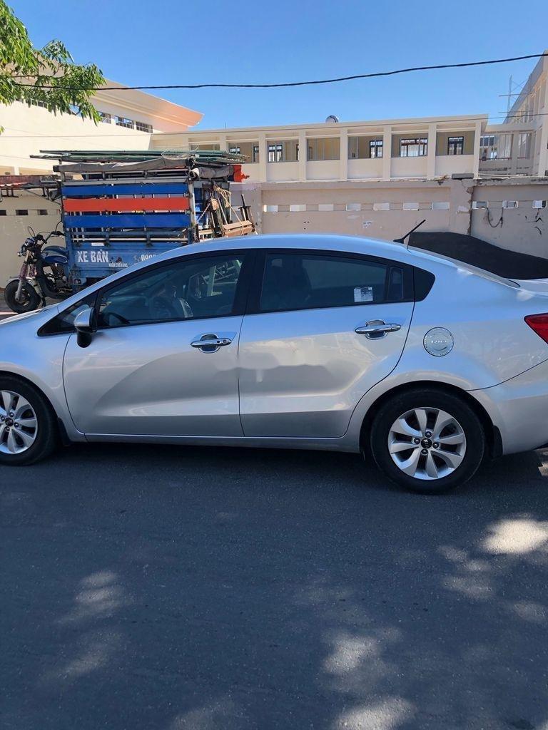 Cần bán lại xe Kia Rio 2017, màu trắng, xe nhập còn mới, 345 triệu (5)