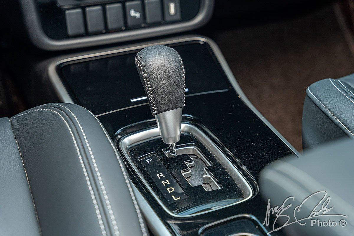 Hộp số CVT thế hệ mới trên Mitsubishi Outlander 2.4 CVT Premium 2020.