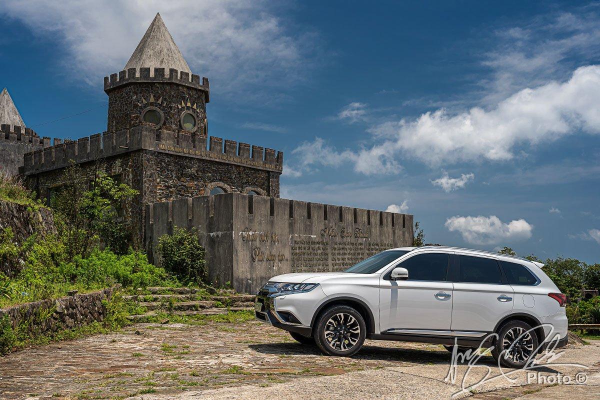 Lợi thế của Mitsubishi Outlander 2.4L CVT Premium 2020 là hệ đẫn động 4WD duy nhất trong phân khúc.