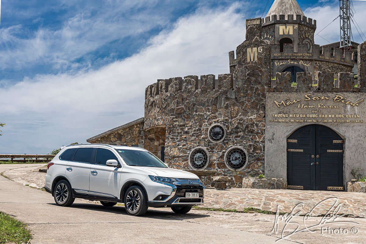 Ngoại hình của Mitsubishi Outlander 2.4 CVT Premium 2020 không khác biệt nhiều so với phiên bản 2.0 CVT Premium 2020.