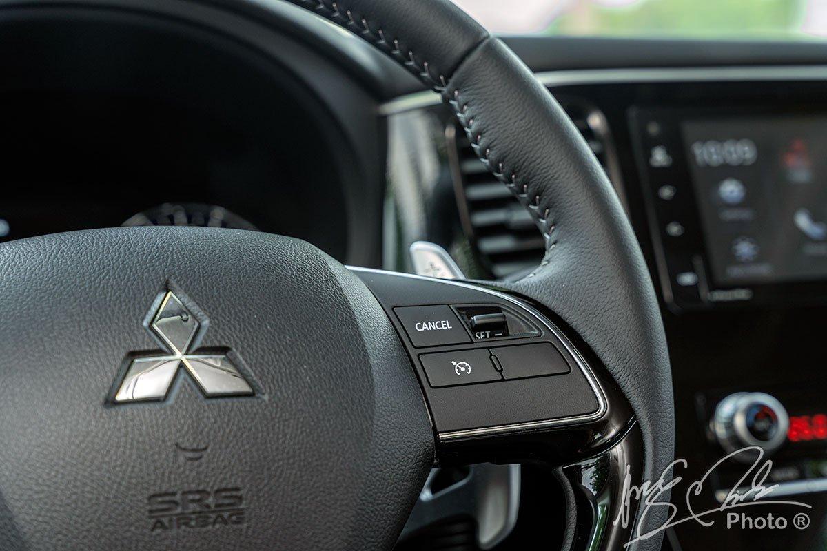Hệ thống kiểm soát hành trình trên Mitsubishi Outlander 2.4 CVT Premium 2020.