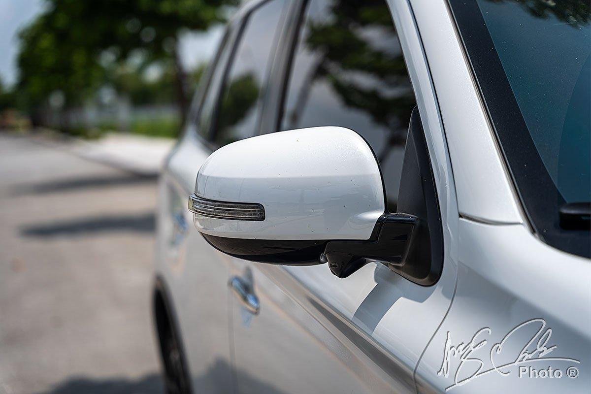 Gương chiếu hậu tích hợp camera 360 của Mitsubishi Outlander 2.4 CVT Premium 2020.