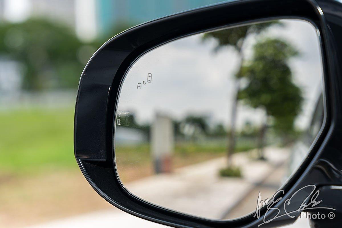 Hệ thống cảnh báo điểm mù trên Mitsubishi Outlander 2.4 CVT Premium 2020.