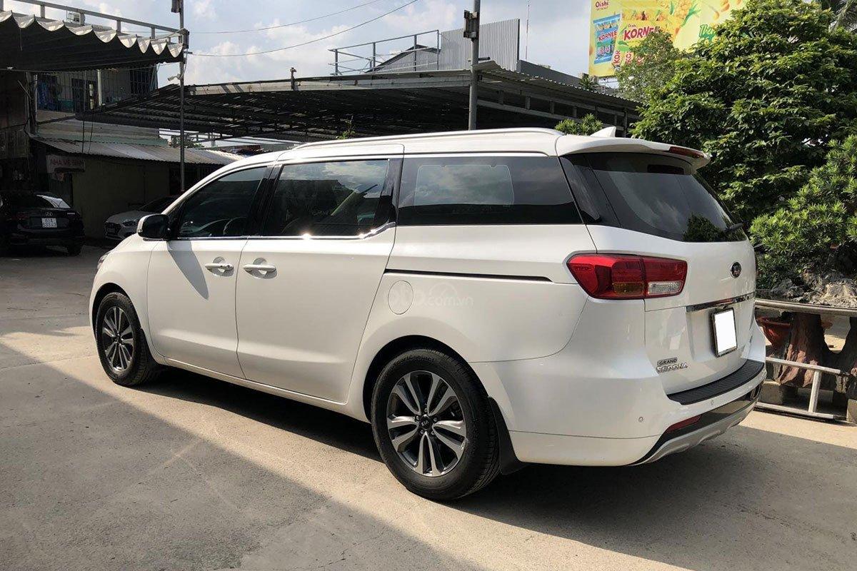 Thiết kế thân xe Kia Sedona 2018 1