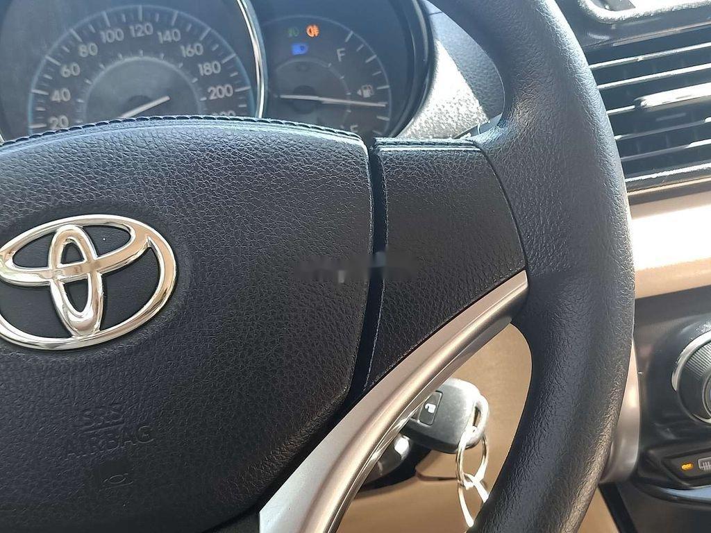 Bán Toyota Vios 1.5E đời 2018, màu trắng số sàn, đẹp xuất sắc (5)