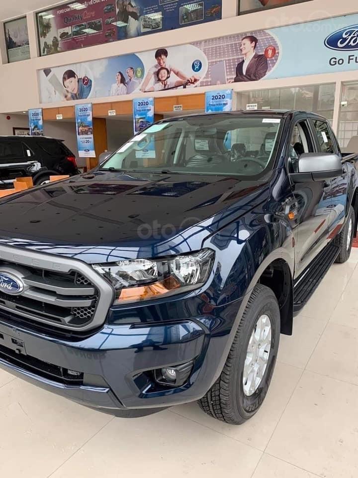 [ An Đô Ford ] Ford Ranger XLS 4x2 AT đủ màu, giao xe ngay cho khách hàng (2)
