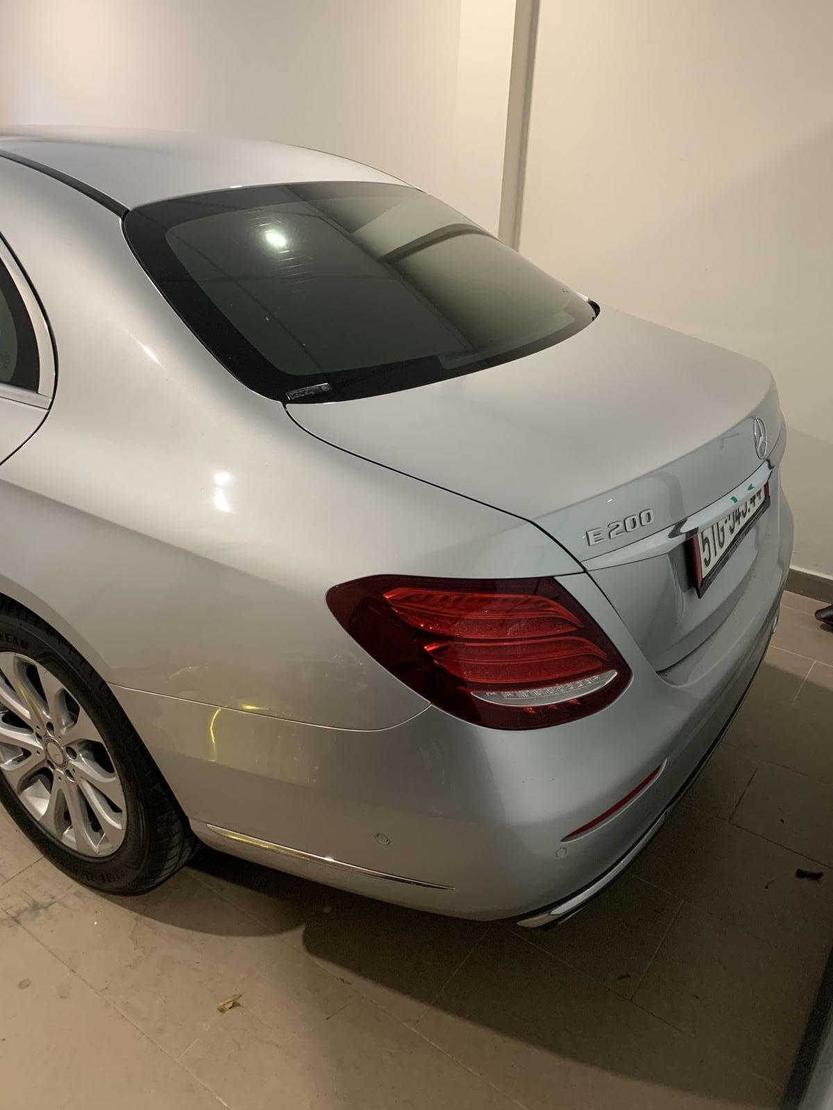 Bán xe Mercedes E200 đời 2018, màu bạc, nhập khẩu (6)