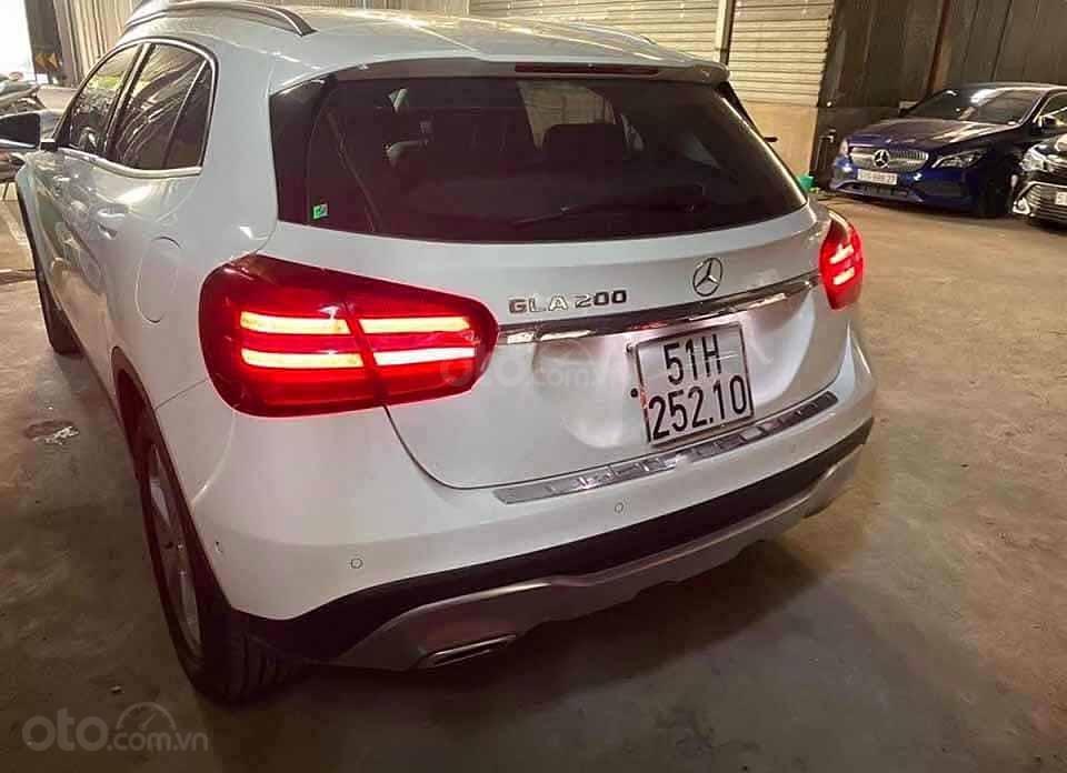 Bán Mercedes GLA200 sản xuất 2019, màu trắng, xe nhập còn mới (3)