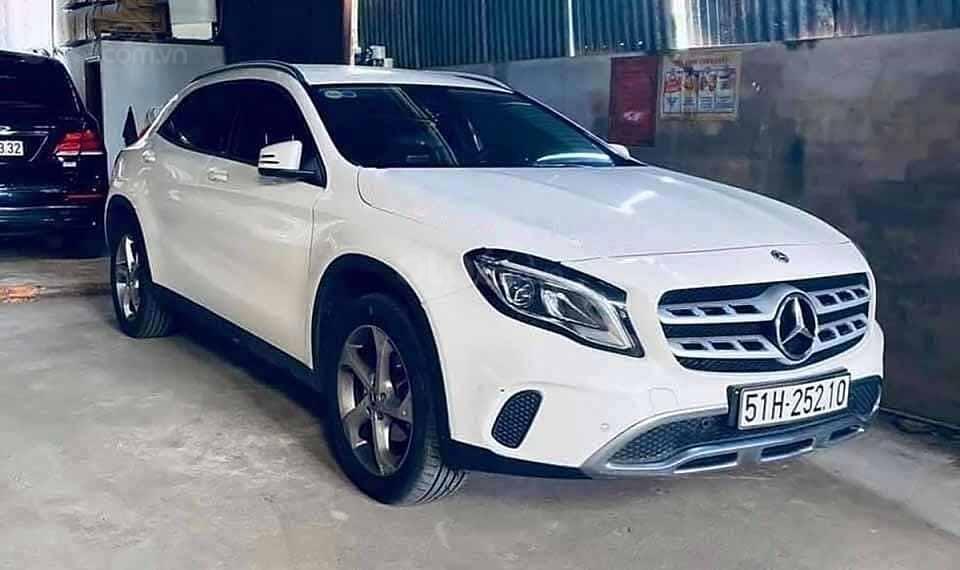 Bán Mercedes GLA200 sản xuất 2019, màu trắng, xe nhập còn mới (1)