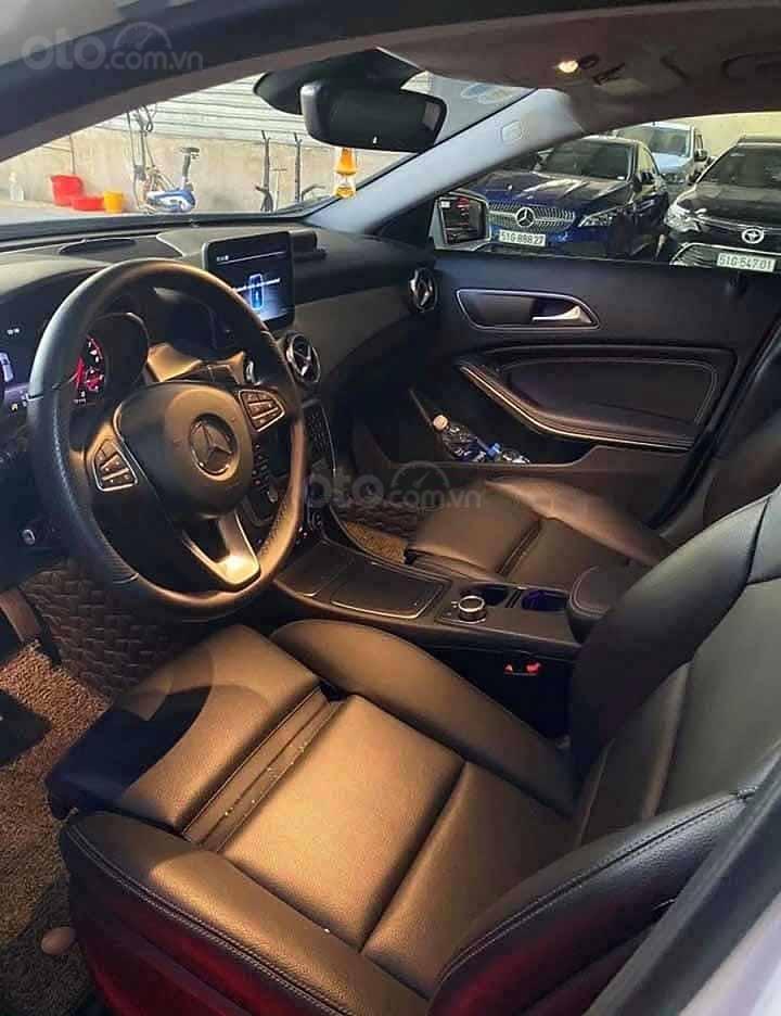 Bán Mercedes GLA200 sản xuất 2019, màu trắng, xe nhập còn mới (4)