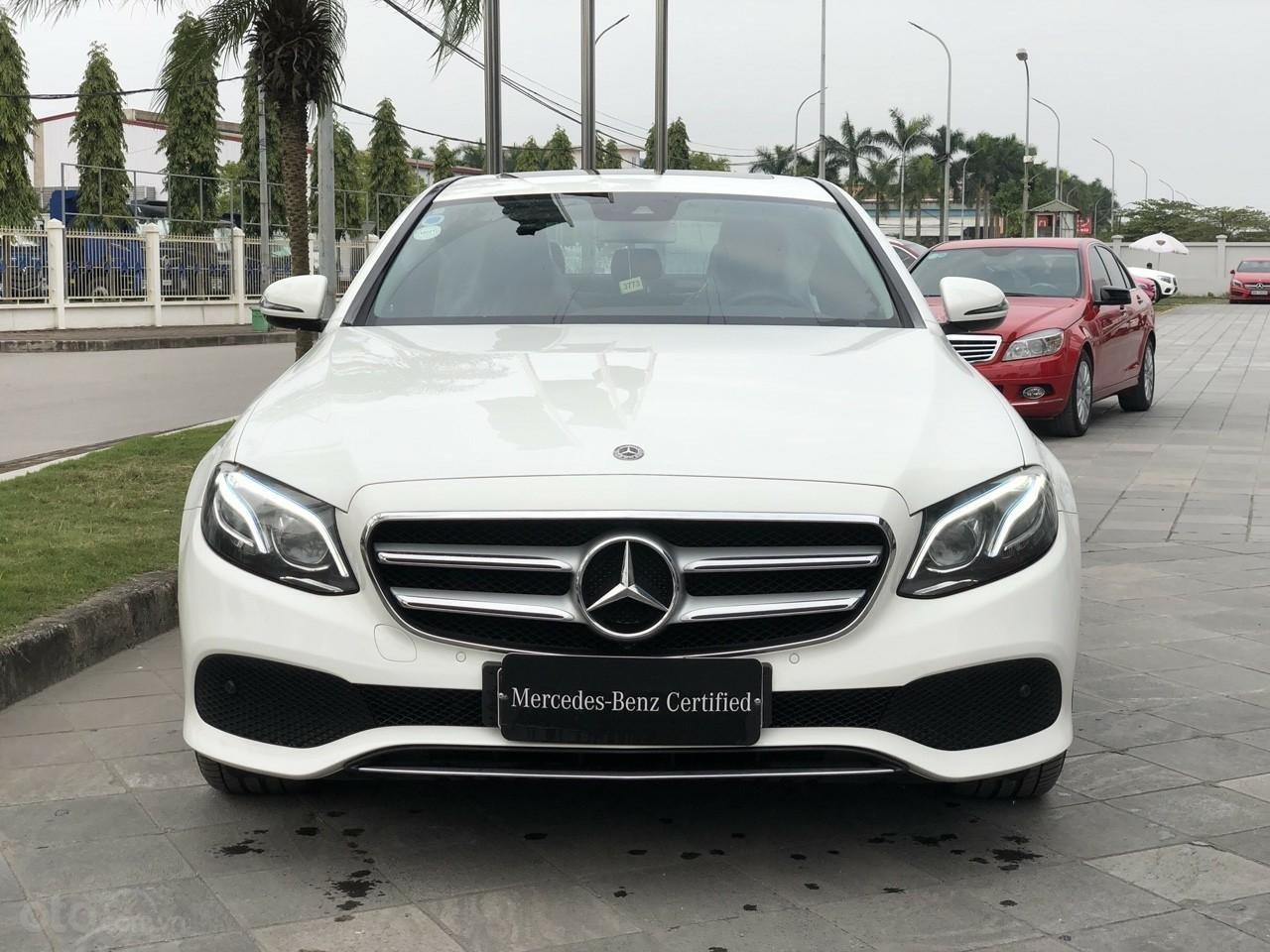 Giá tốt: Mercedes E250 bảo hành đến 2022 mới 99% (1)