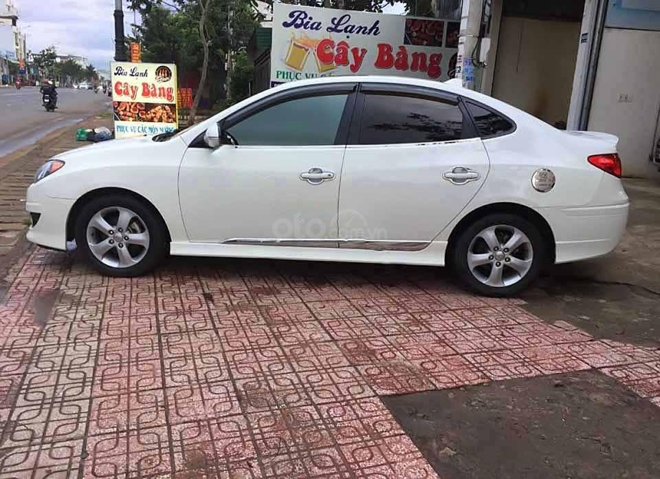 Bán Hyundai Avante sản xuất 2012, màu trắng còn mới (1)