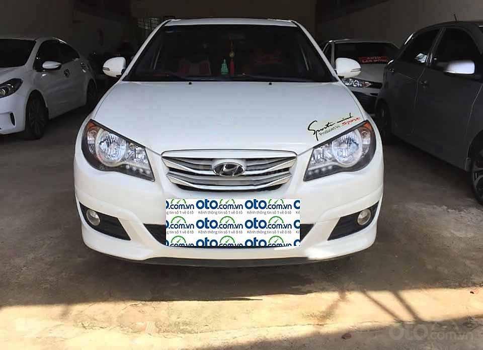 Bán Hyundai Avante sản xuất 2012, màu trắng còn mới (4)