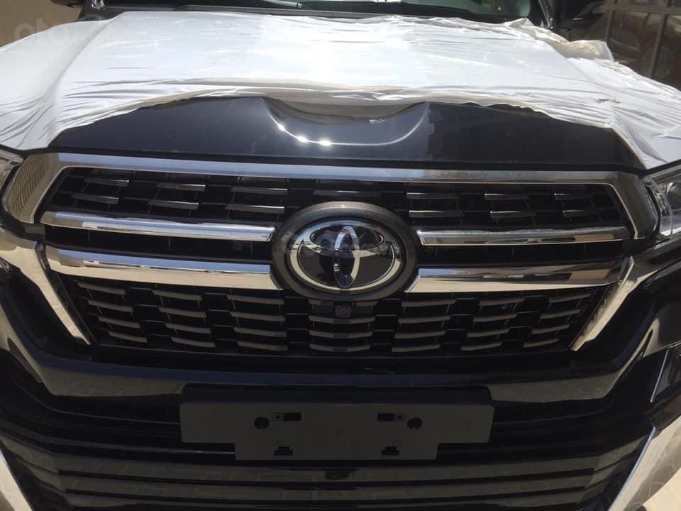 Bán Toyota Land Cruiser VX S 5.7 MBS model 2021, nhập Trung Đông, phiên bản 4 chỗ cao cấp nhất (4)