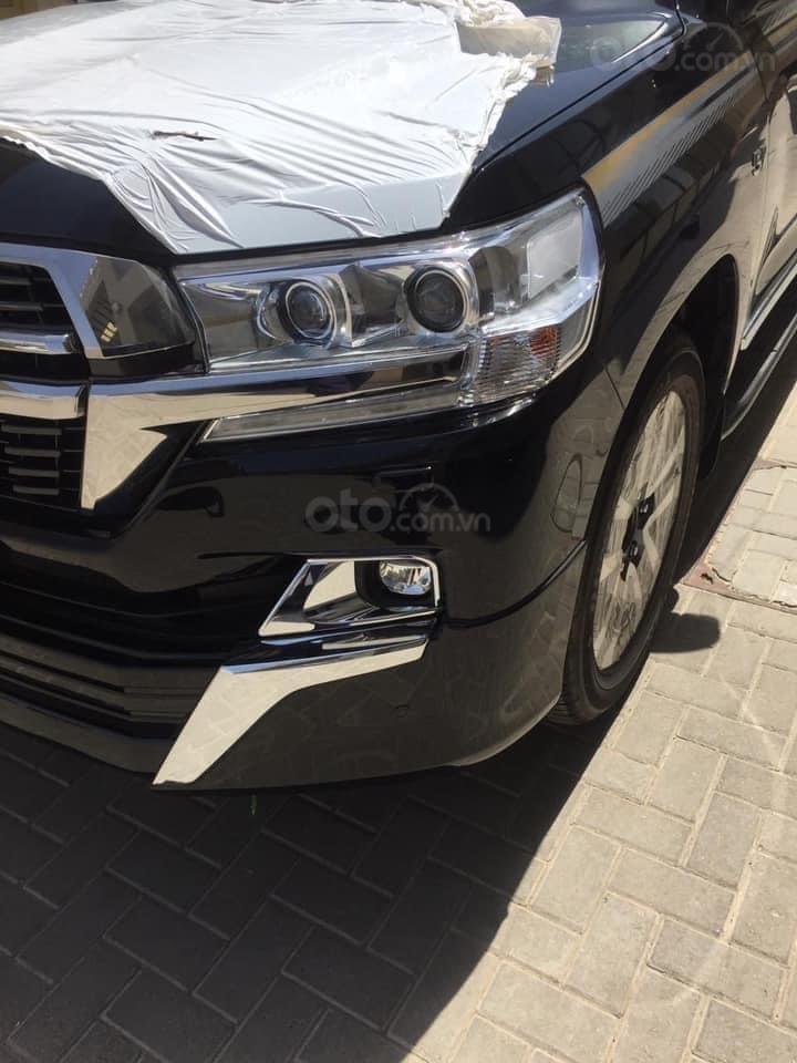 Bán Toyota Land Cruiser VX S 5.7 MBS model 2021, nhập Trung Đông, phiên bản 4 chỗ cao cấp nhất (3)
