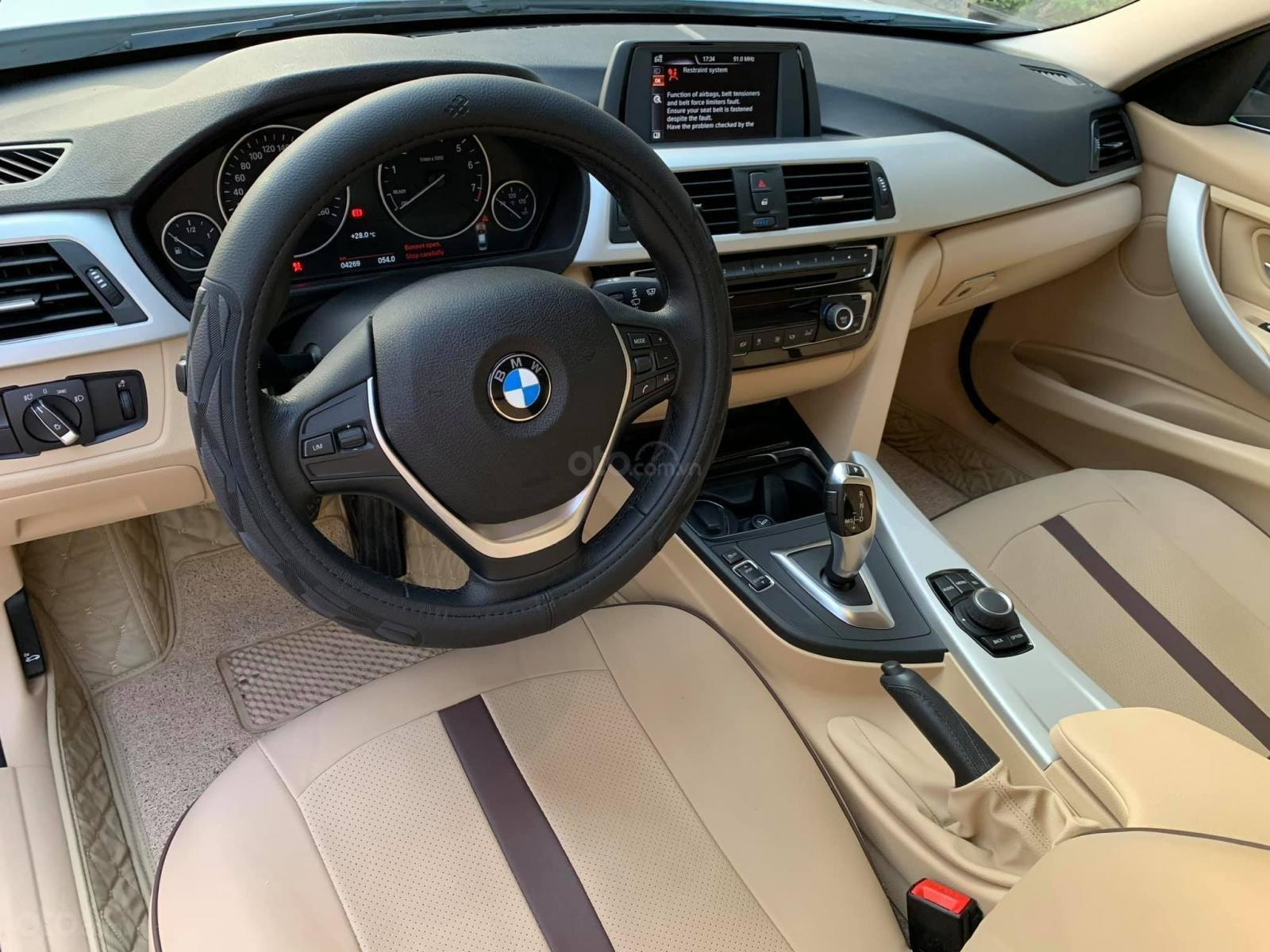 Bán BMW 320i CLI full LED model 2017, màu trắng, nội thất kem sang trọng và đầy phong cách (7)