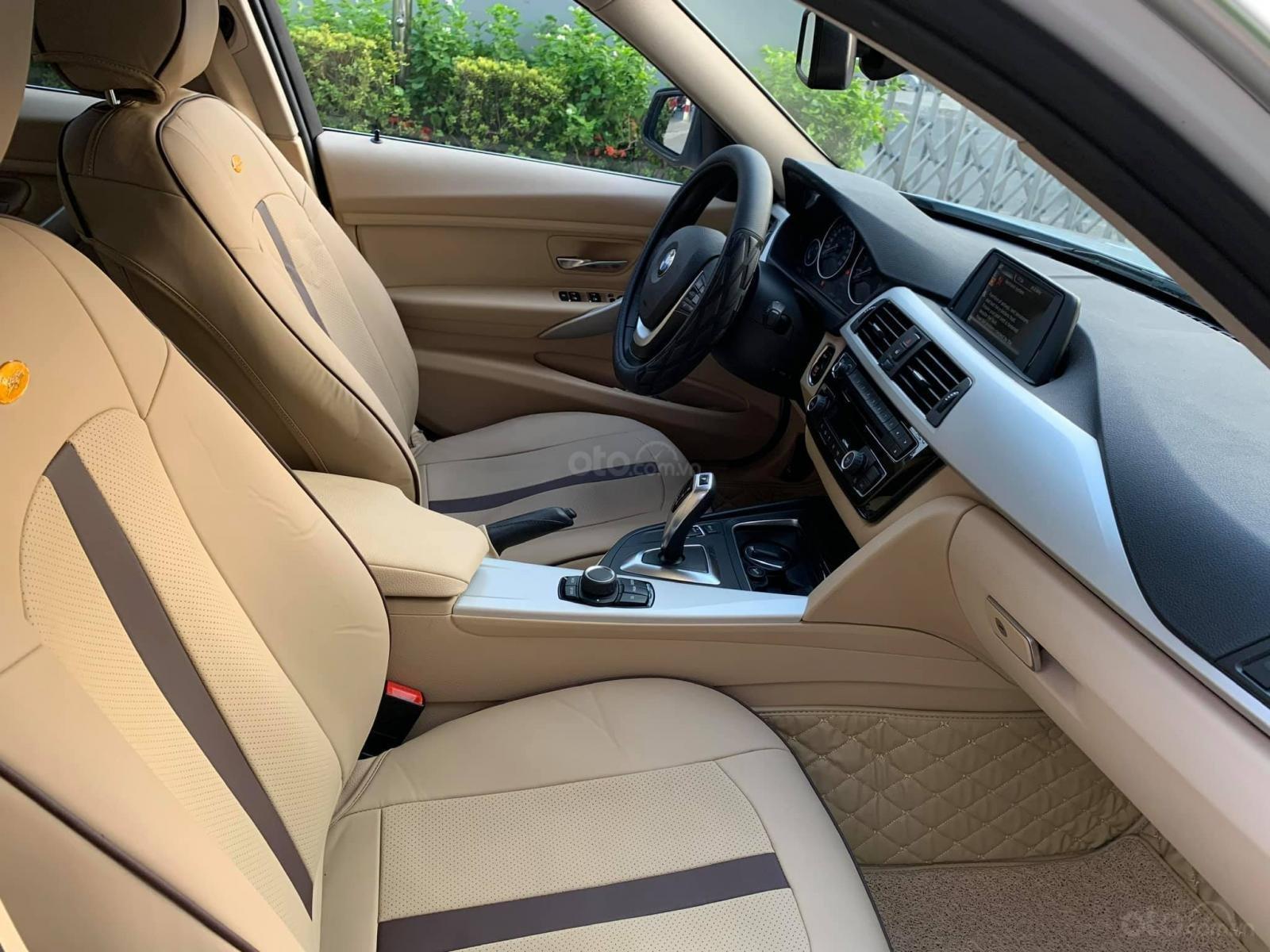 Bán BMW 320i CLI full LED model 2017, màu trắng, nội thất kem sang trọng và đầy phong cách (8)
