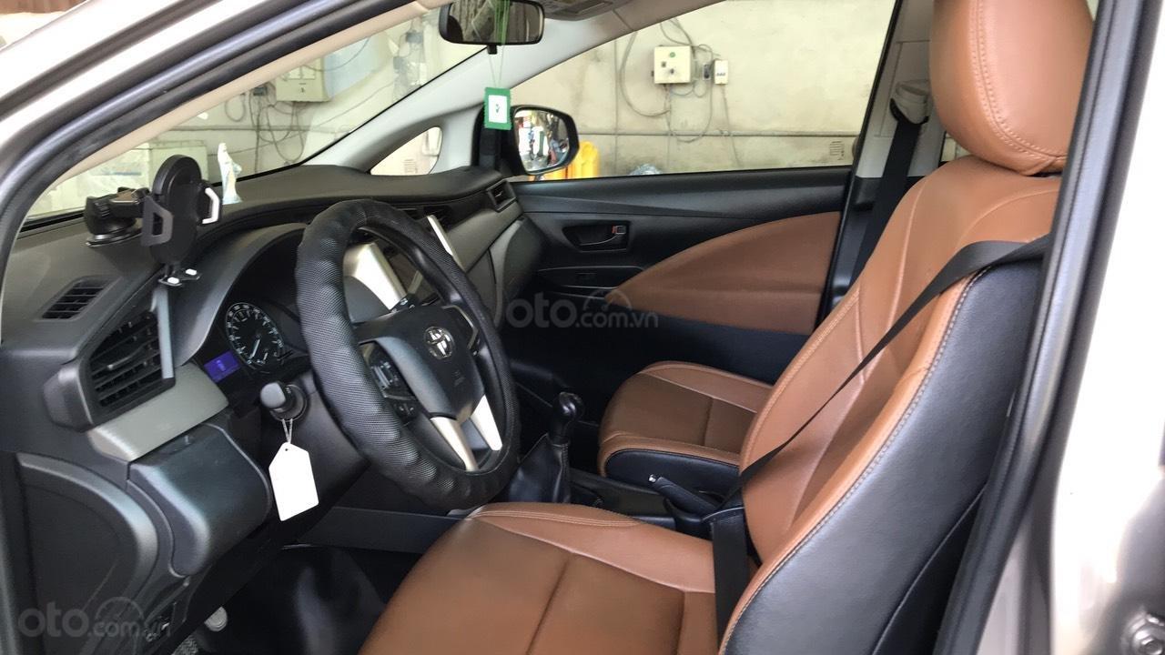 Cần bán Toyota Innova năm 2019, màu xám, giá chỉ 640 triệu (5)