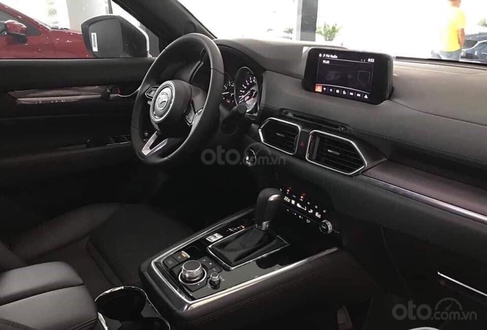 Mazda CX8 - ưu đãi 200 triệu - đủ màu - tặng phụ kiện mở rộng 35tr - chỉ 317tr nhận xe (4)