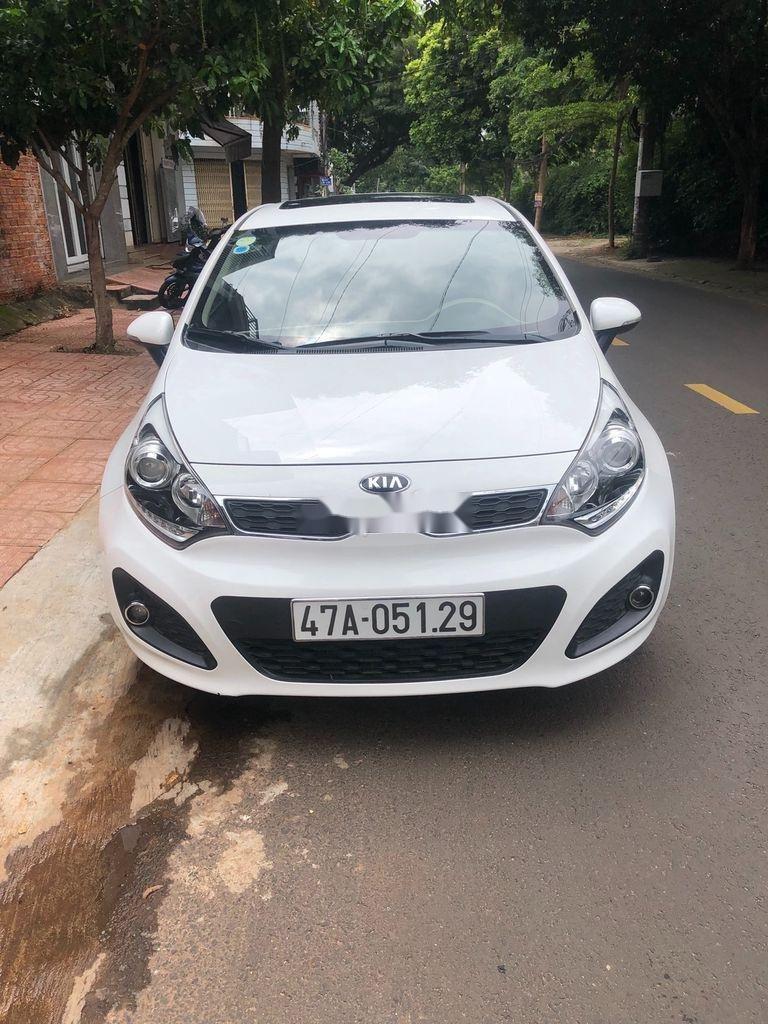 Bán xe Kia Rio đời 2012, màu trắng, nhập khẩu   (1)
