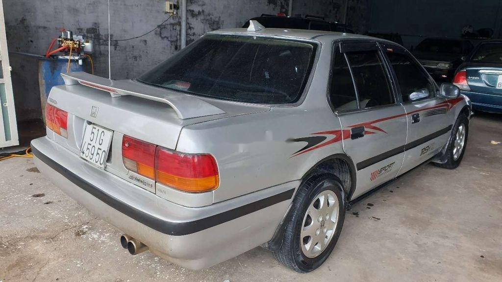 Gia đình bán xe Honda Accord năm 1992, màu bạc (3)