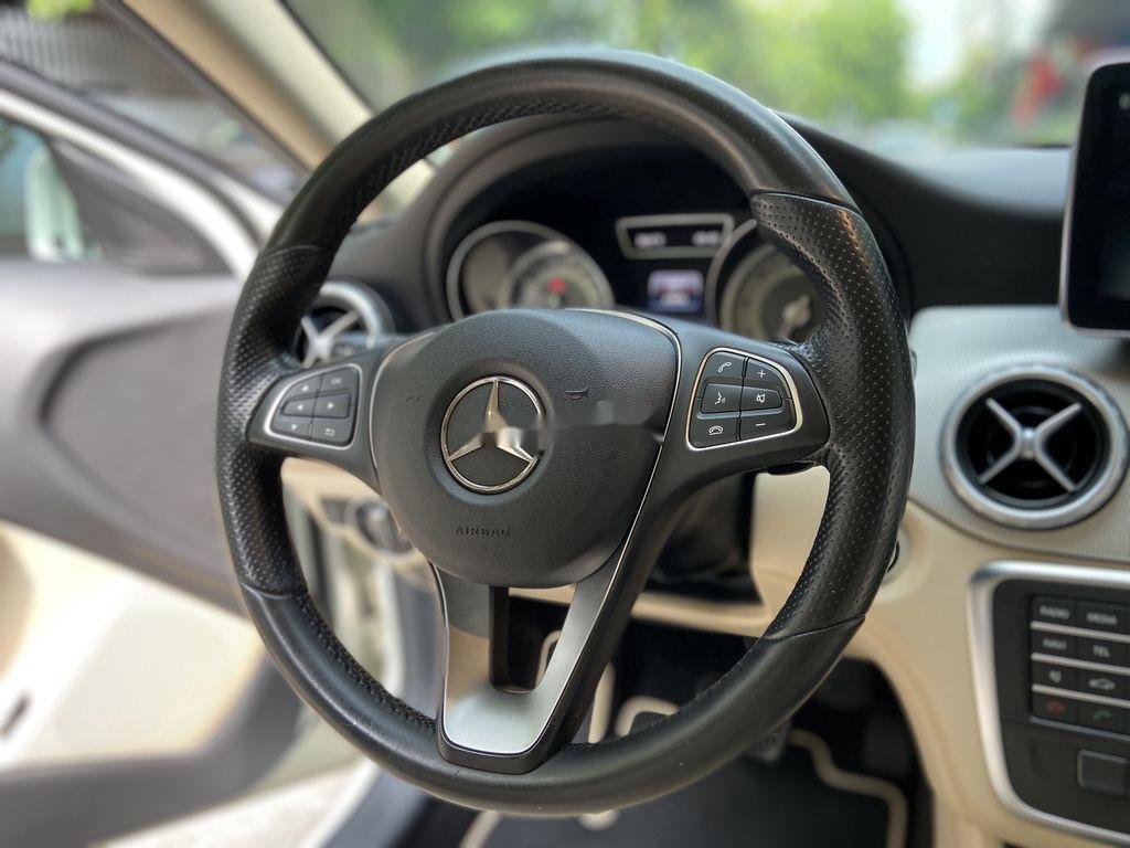 Bán xe Mercedes GLA200 đời 2015, màu trắng, nhập khẩu (8)