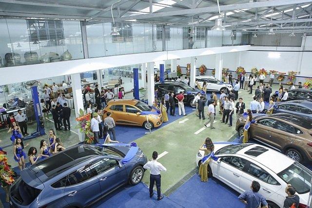 Nhìn lại những 'điểm nóng' trên thị trường ô tô Việt từ đầu năm đến nay - Ảnh 1.