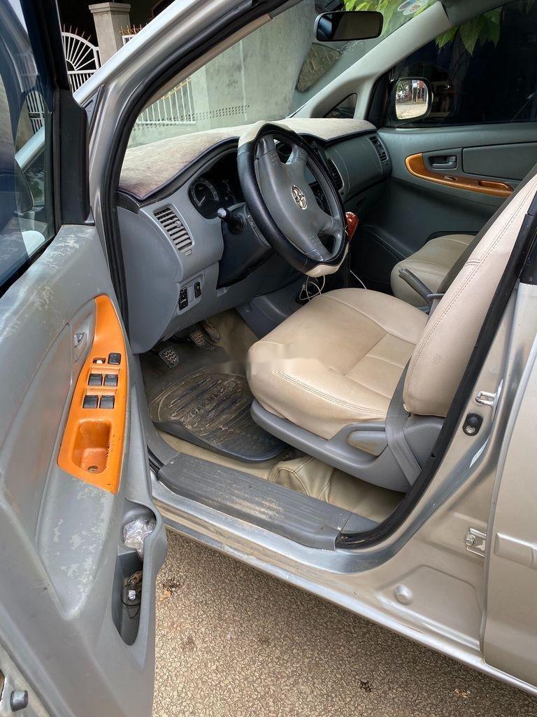 Cần bán Toyota Innova năm sản xuất 2007, màu ghi bạc, giá 189tr (3)